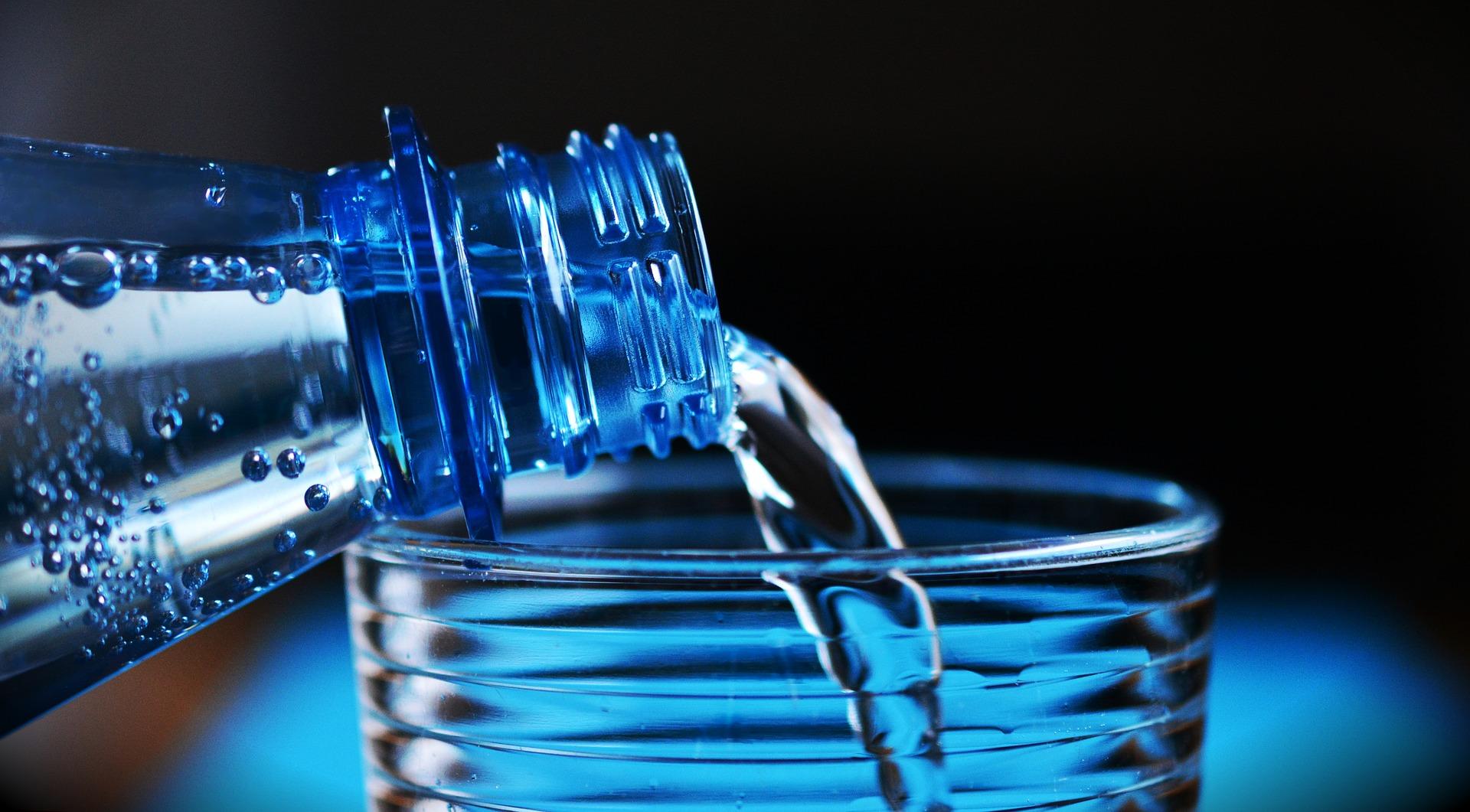 Ako pijete vodu iz plastične FLAŠE, vodite računa o OVOME