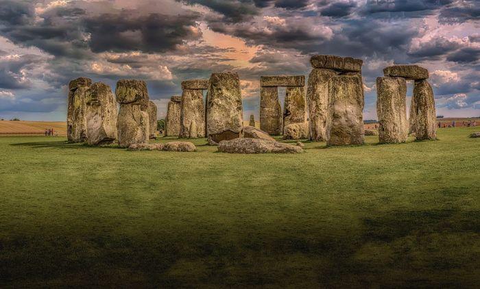1617801641_stonehenge-1590047_1280.jpg