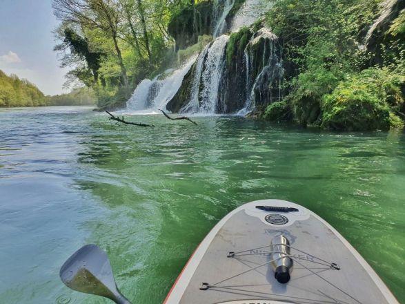 1593952244_SUP-Drina-Glimpses-of-the-World.jpeg